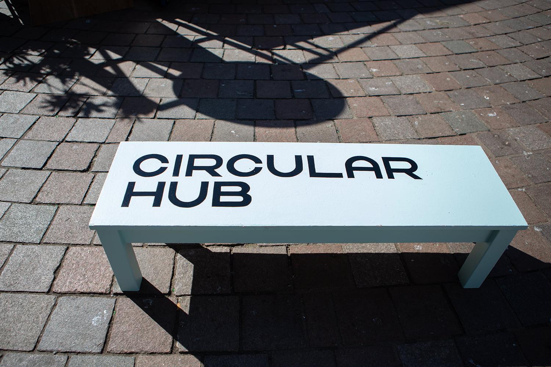 Circular hub bench